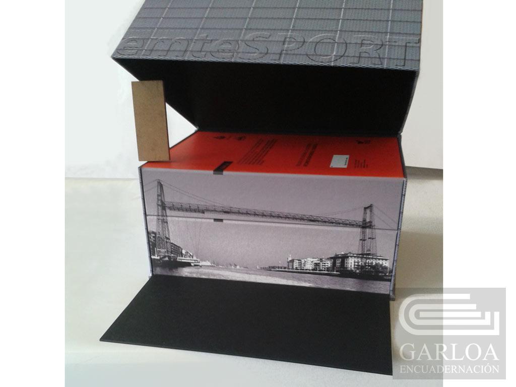 Caja de cartón personalizada y carpetas de anillas