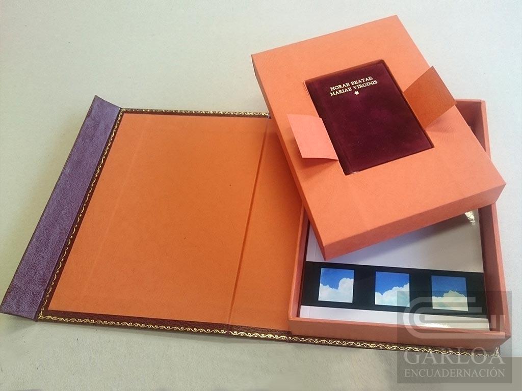 Carpeta-caja con cajetín para libro